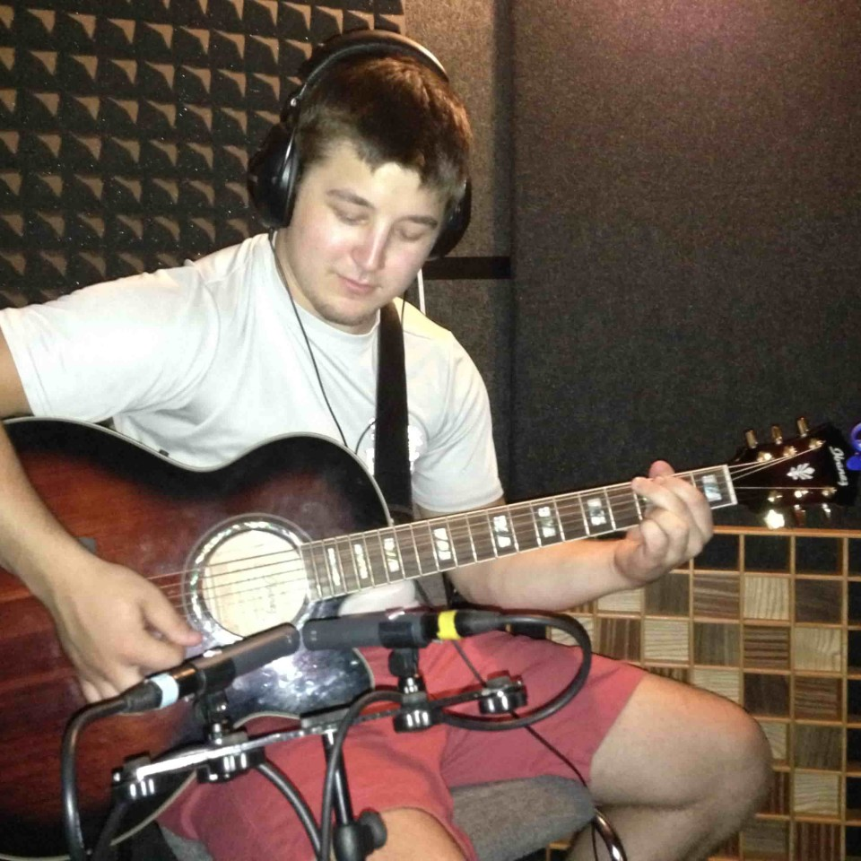 Acoustic Guitar w Back Rhodes-min