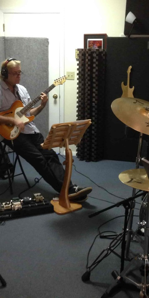 Full Band-min